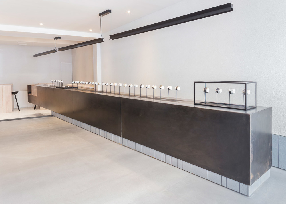 larsson-jennings-flagship-store-retail-interiors-new-york-city-usa-watches_dezeen_1568_3.jpg