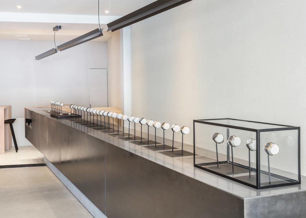 larsson-jennings-flagship-store-retail-interiors-new-york-city-usa-watches_dezeen_1568_4.jpg