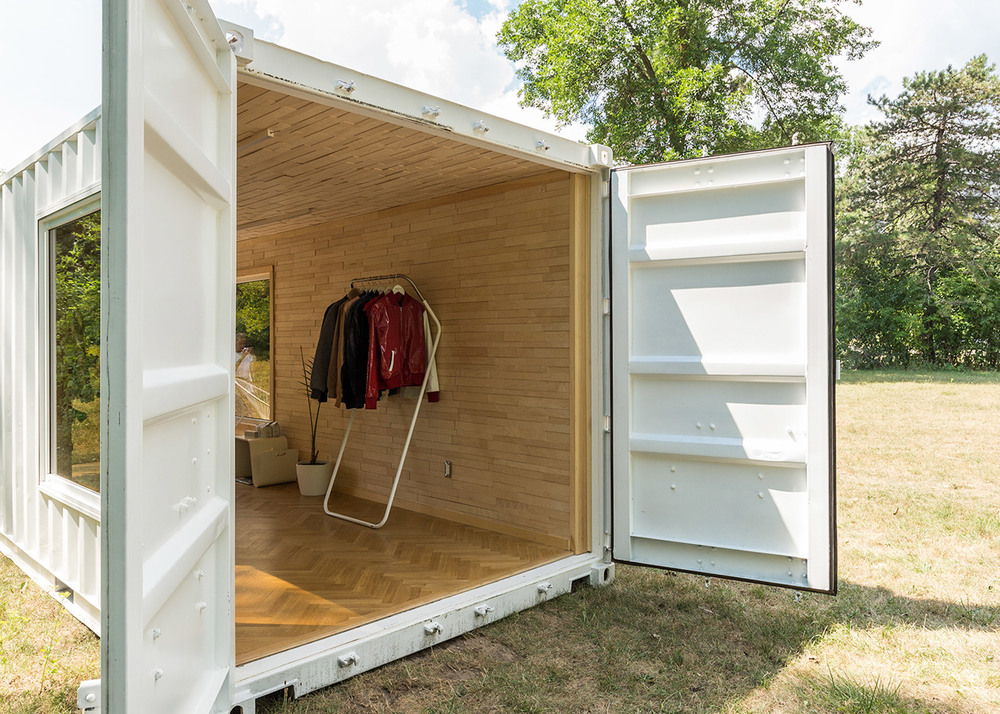 needs-and-wants-container-showroom_dezeen_1568_4.jpg