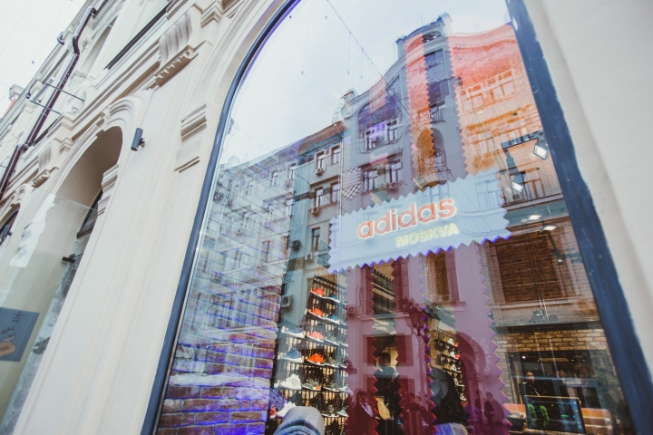 Adidas-Originals-flagship-store-by-Stereotactic-Moscow-Russia10.jpg