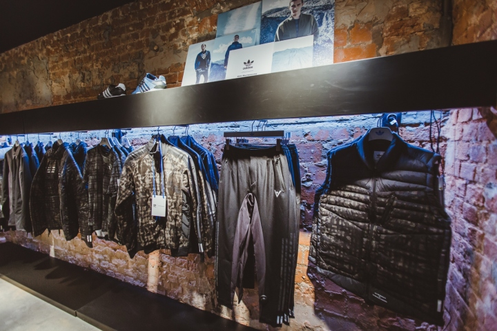 Adidas-Originals-flagship-store-by-Stereotactic-Moscow-Russia02.jpg