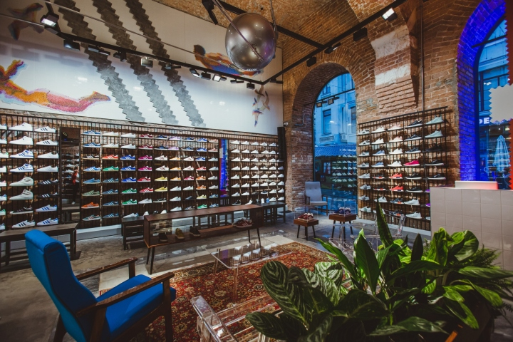 Adidas-Originals-flagship-store-by-Stereotactic-Moscow-Russia04.jpg