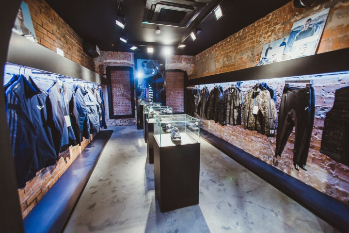 Adidas-Originals-flagship-store-by-Stereotactic-Moscow-Russia08.jpg