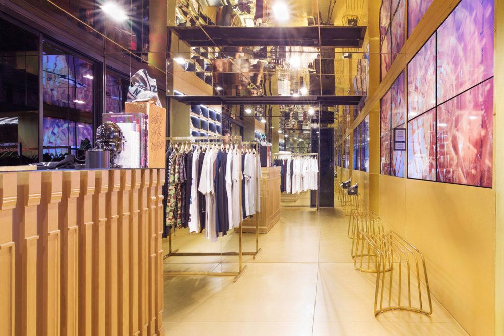 24-kilates-bangkok-store-1.jpg