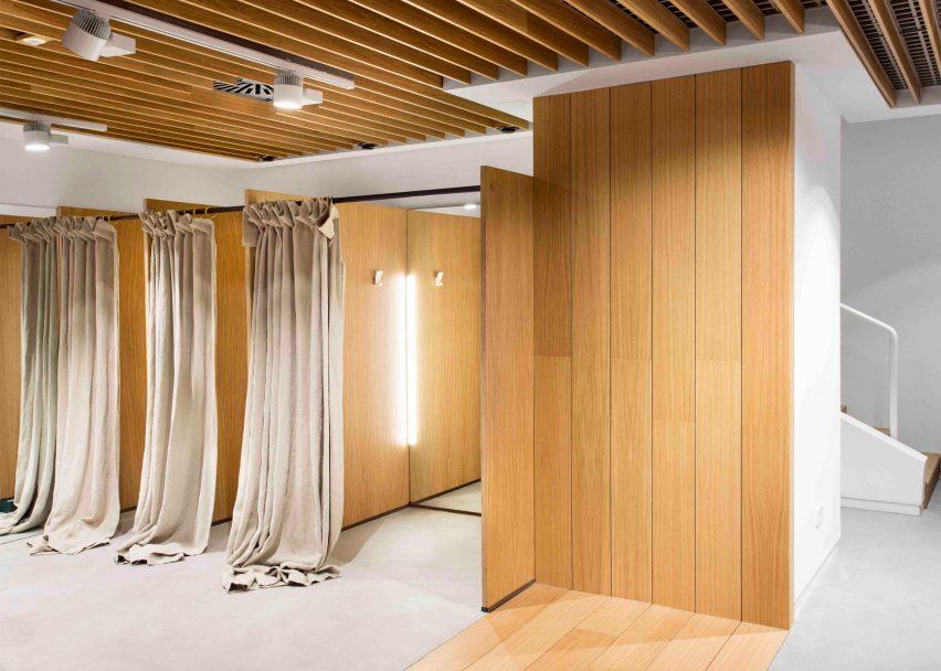 sketch-concept-store-pauzarq-arquitectos_dezeen_2364_slideshow_5-852x608.jpg