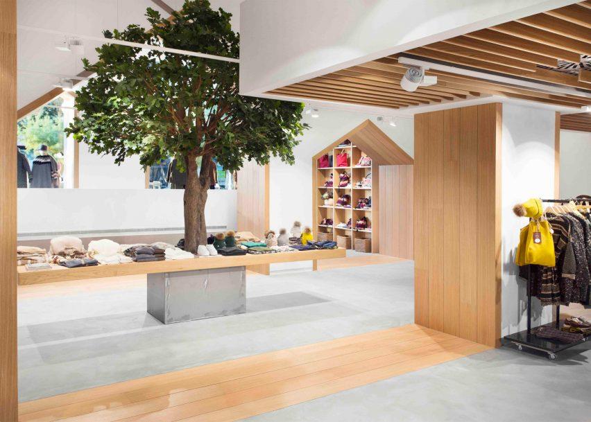 sketch-concept-store-pauzarq-arquitectos_dezeen_2364_slideshow_6-852x609.jpg