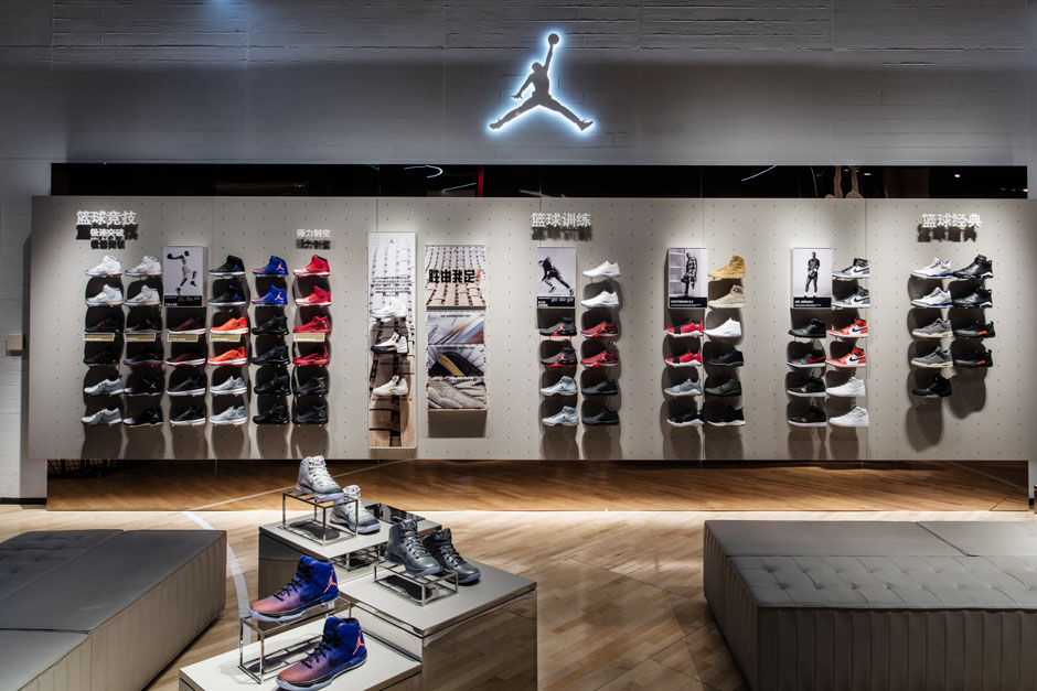 nike-jordan-beijing-china-basketball-store-03.jpg