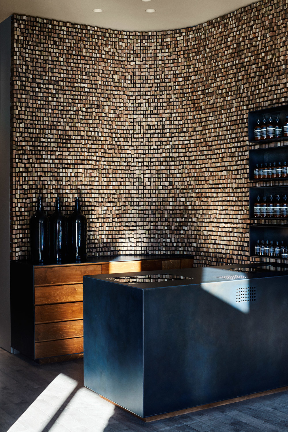 aesop-georgetown-tacklebox-architecture-interiors-washington-dc-usa_dezeen_2364_col_7.jpg