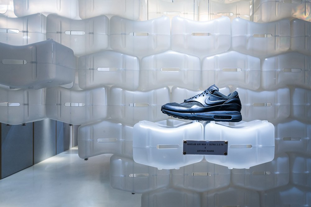 invincible-arthur-huang-nikelab-air-max-1-fk-royal-pop-up-3.jpg