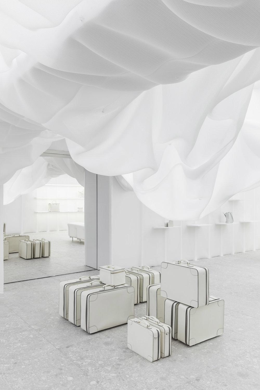 velextra-store-snarkitecture-interiors-milan-design-week-shop_dezeen_2364_col_4.jpg