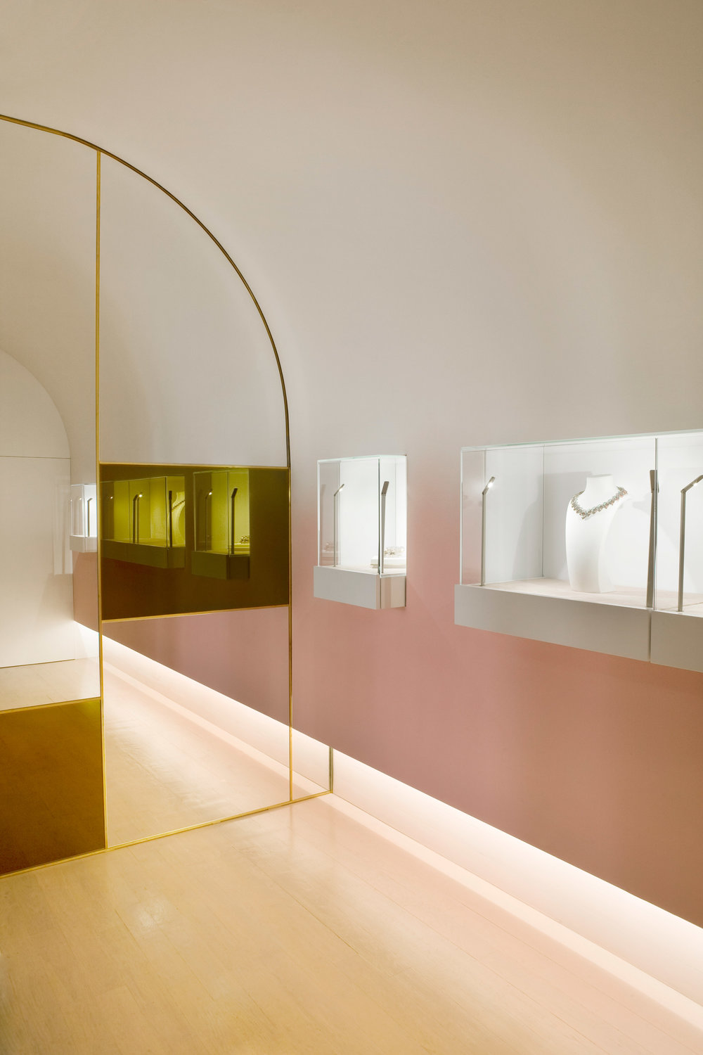 nuun-jewellery-shop-java-architectes-interiors-retail-paris-france_dezeen_2364_col_6.jpg