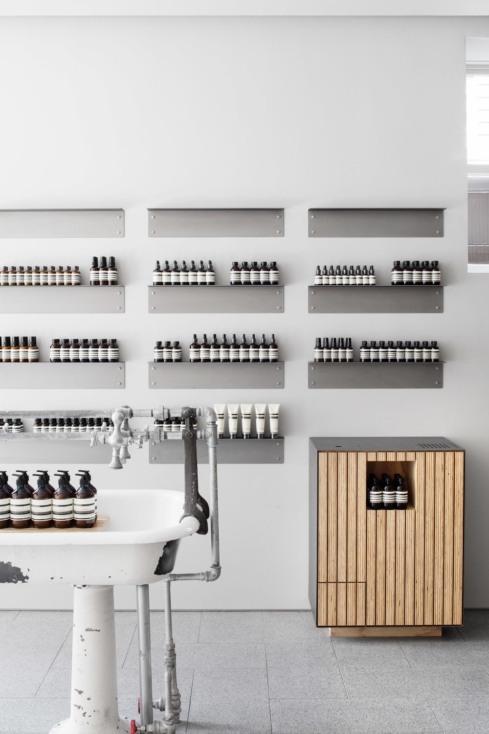 aesop-uws-tacklebox-architecture-interiors-retail_dezeen_2364_col_4.jpg