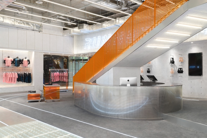RUNNER-CAMP-store-by-PRISM-design-Shanghai-China-04.jpg