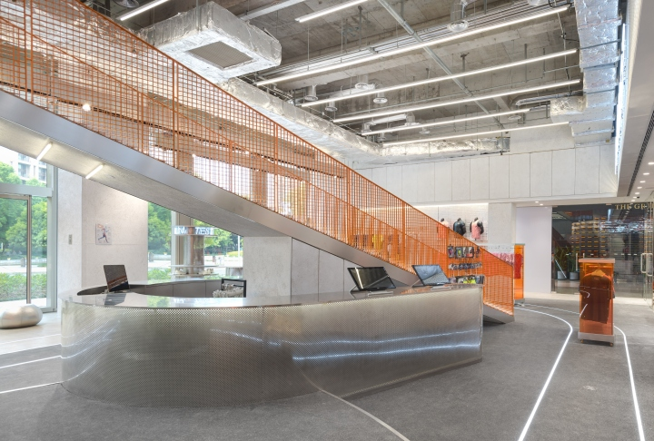 RUNNER-CAMP-store-by-PRISM-design-Shanghai-China-06.jpg