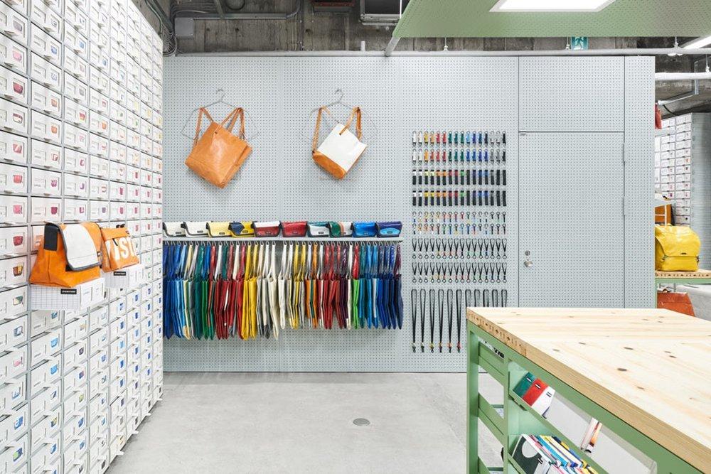 torafu-architects-freitag-osaka-store-kiosk-5.jpg
