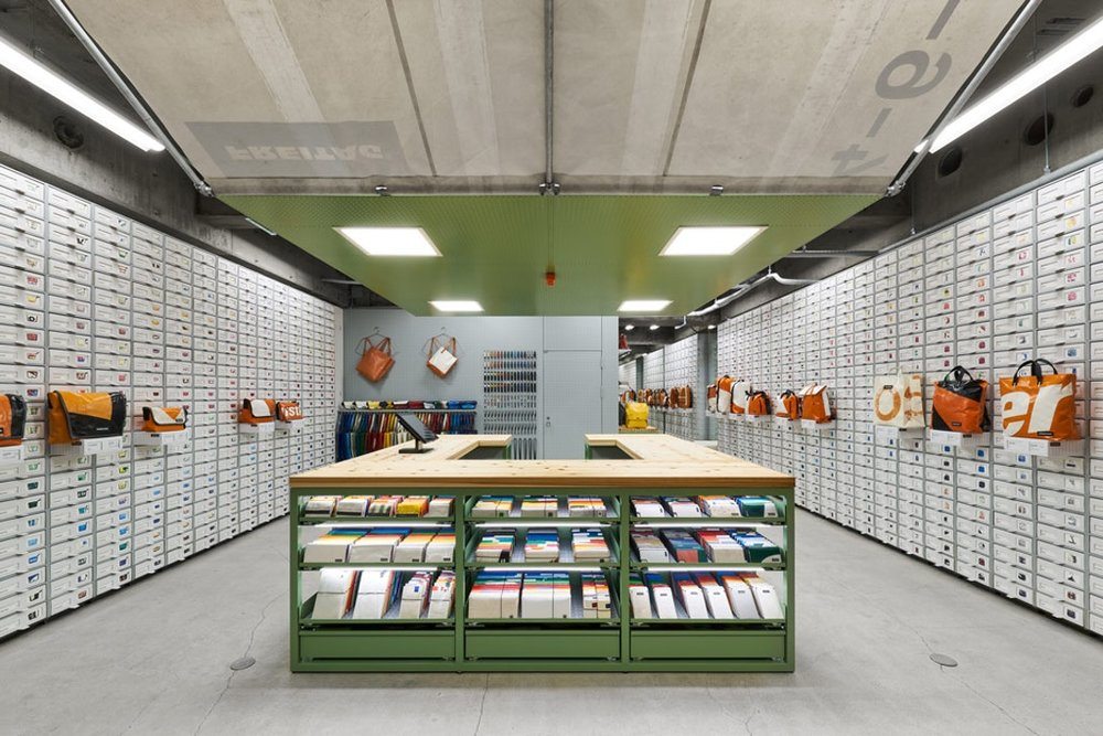torafu-architects-freitag-osaka-store-kiosk-2.jpg