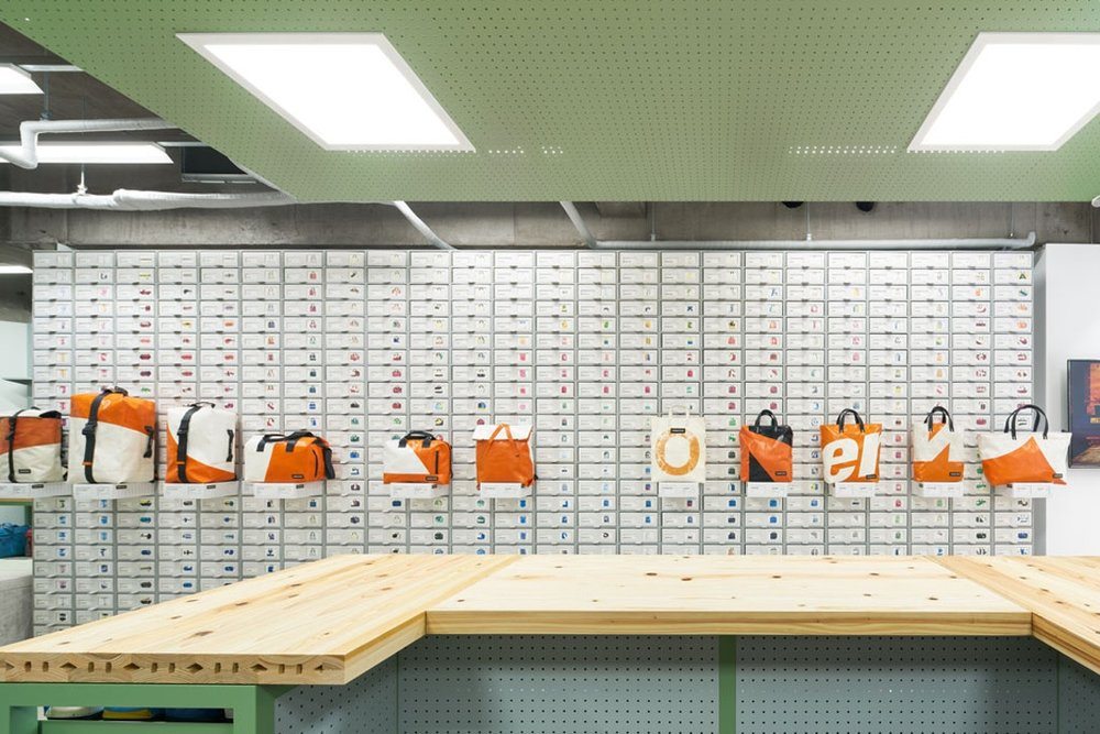 torafu-architects-freitag-osaka-store-kiosk-4.jpg