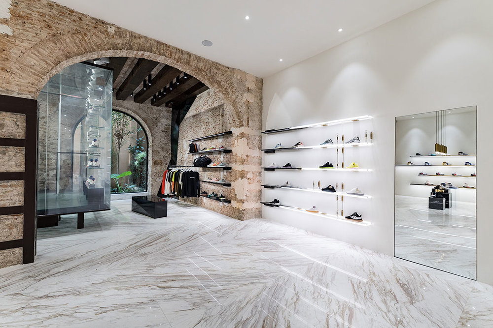 foot-district-new-store-barcelona-10.jpg