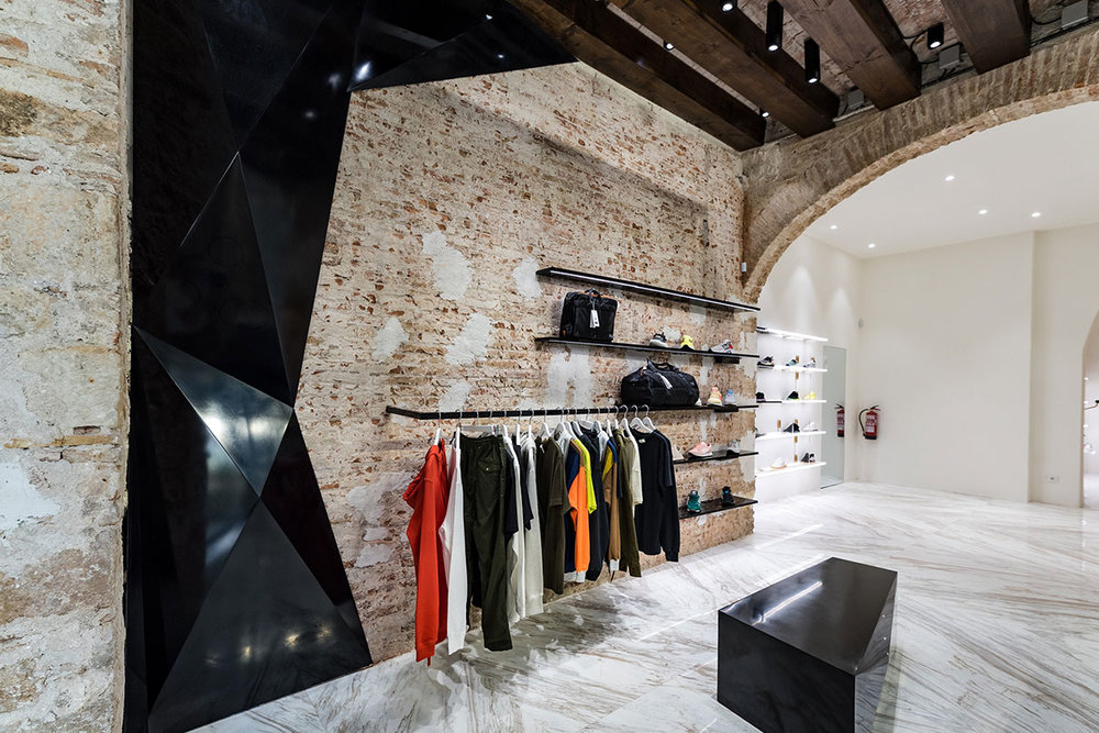 foot-district-new-store-barcelona-17.jpg