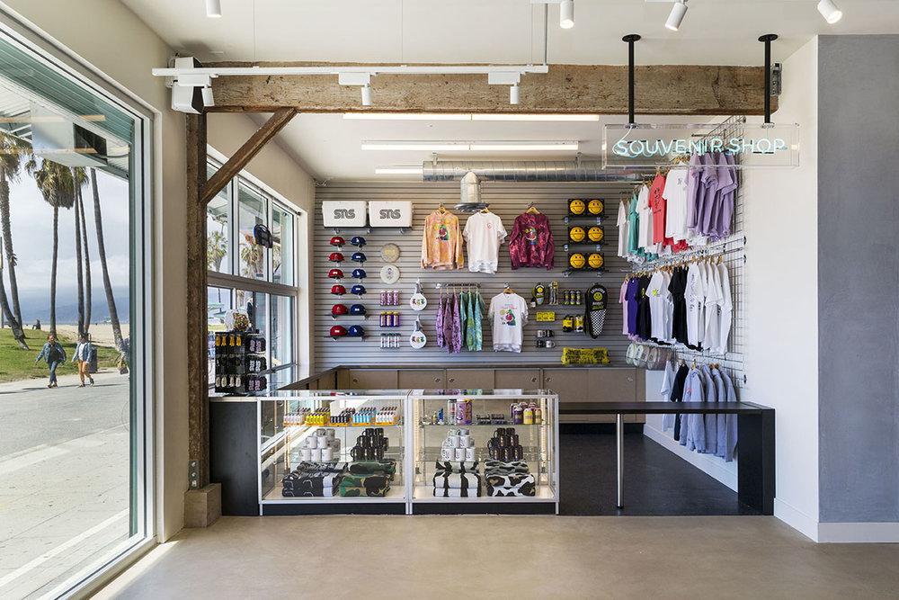 sneakernstuff-los-angeles-store-04.jpg