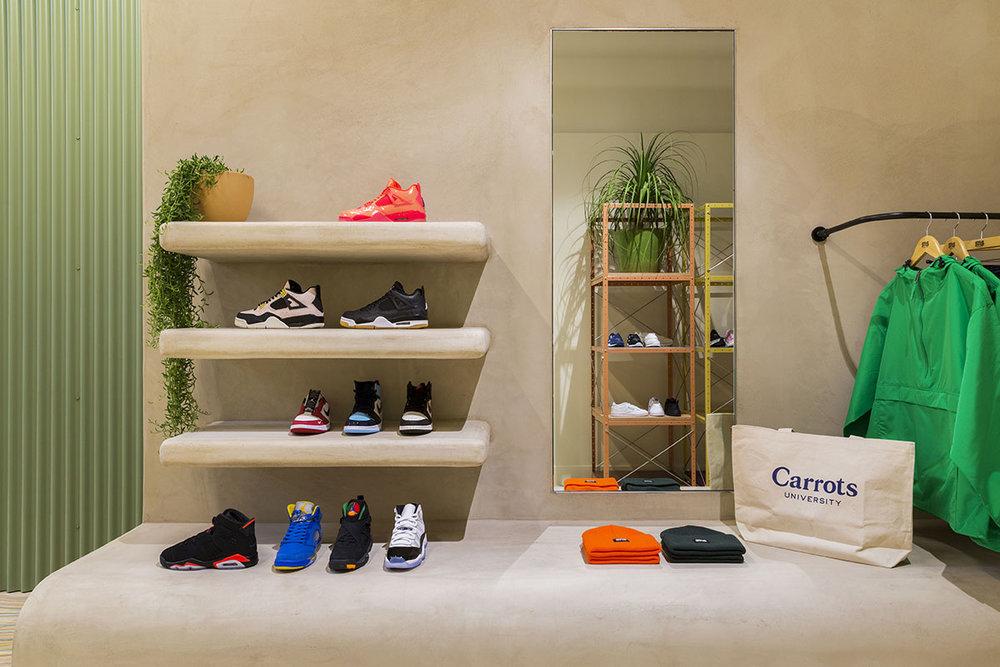 sneakernstuff-los-angeles-store-24.jpg
