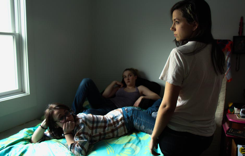 3-girls-bed1.jpg