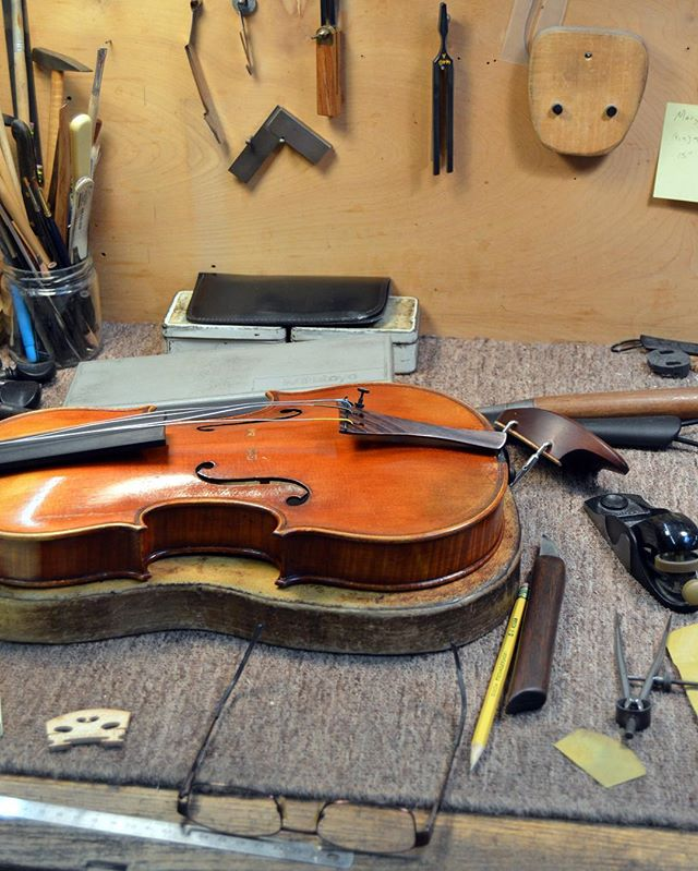 John Montgomery, Inc. located in fast growing downtown Raleigh, North Carolina, serves musicians nationwide and internationally. We provide full restoration services for fine violins, violas, and cellos as well as bow repairs and insurance appraisals. The shop's set up work meets the highest professional standards for both modern playing and period performance.🎻 . . . #NCViolinMaker #ViolinMaker #Luthier #Raleigh #RaleighNC #Violin #Viola #Cello #HistoricInstrument #Musician #MakeMusic #ClassicalMusic #Bluegrass #Fiddle #Restoration #InstrumentRepair #MontgomeryViolins