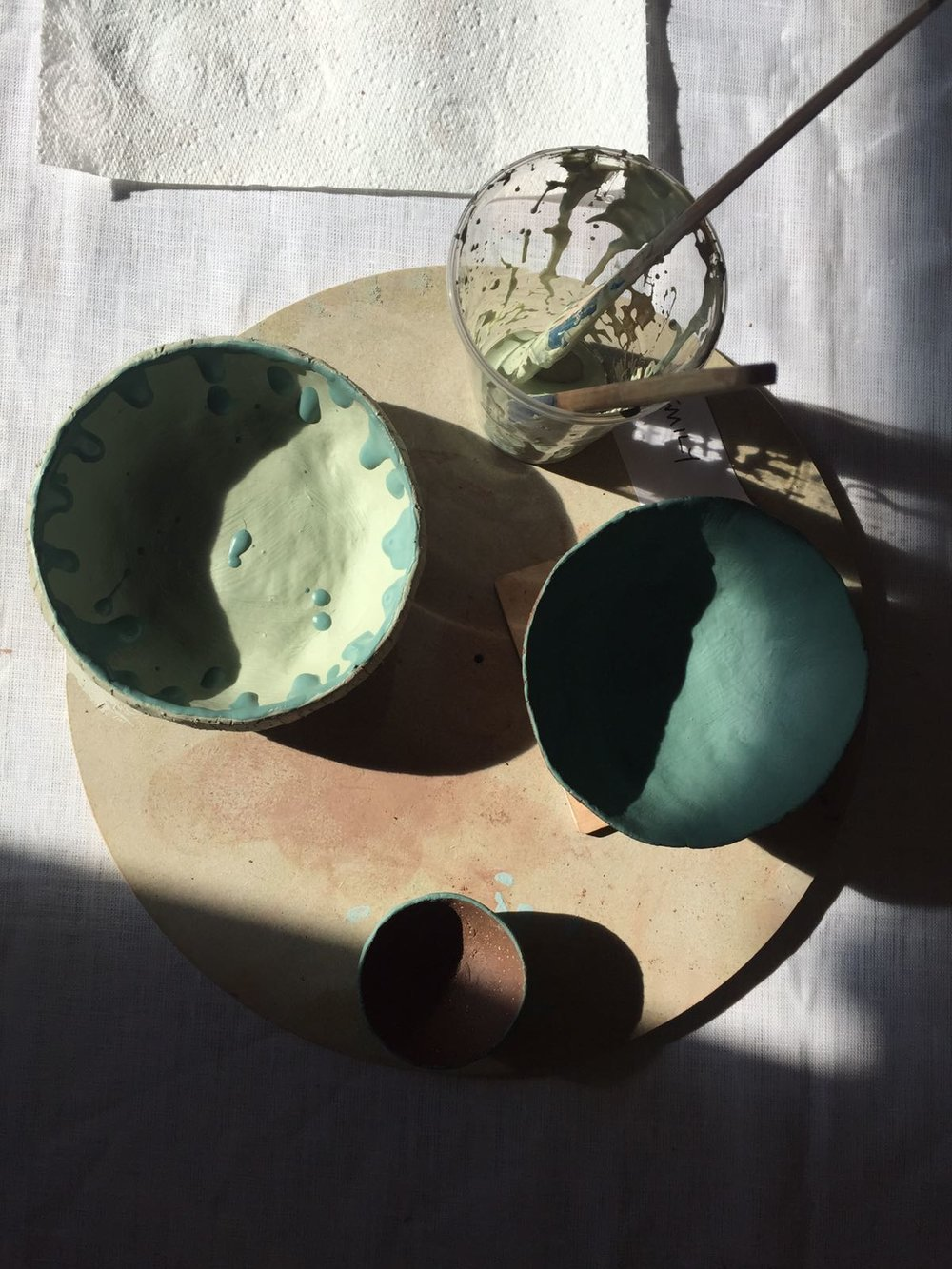 Create a hand-raised pinch pot
