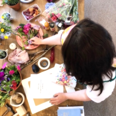A banquet of seasonal flowers and natural ingredients. brought together in Katie's well-being cookbook which includes recipes for creativity and for self -care