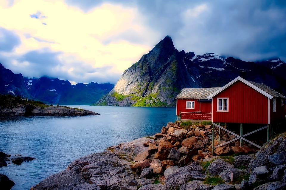 Norway rorbu.jpg