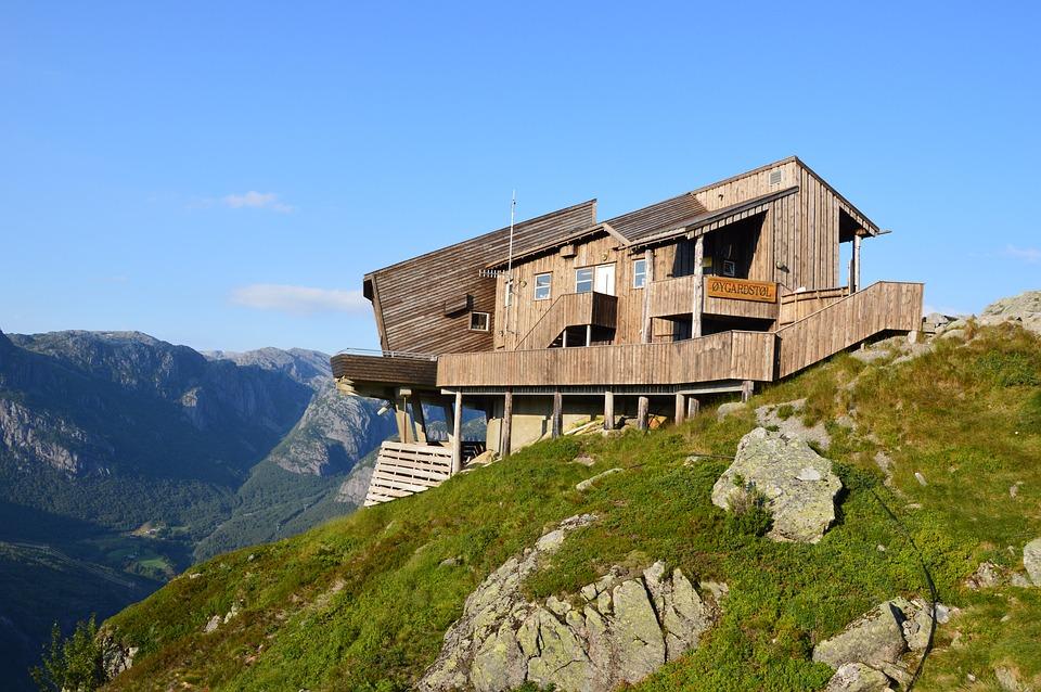 Norway hiking 03.jpg