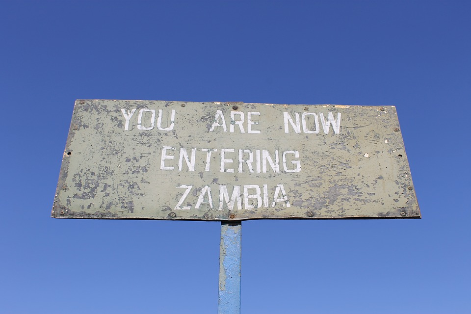 Reveal the secrets of Zambia - Are you a tourist or a traveler?