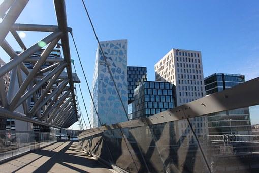 Explore Oslo - Are you a tourist or a traveler?