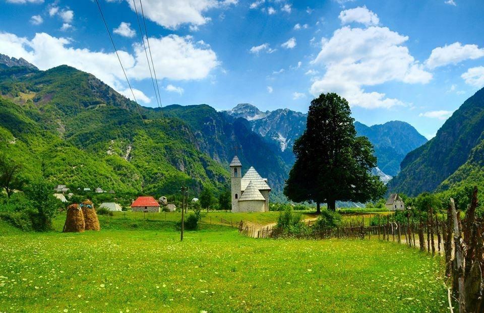 Albania North Panorama 5.jpg