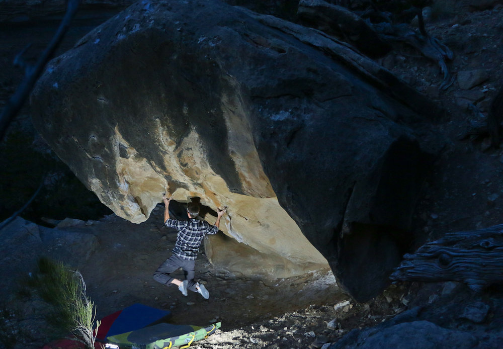 The Flu |V8|. Tufa rails – pinches – gymnastic climbing – kneebar – crimps – ballsy topout. Perfection. Photo by Nate.