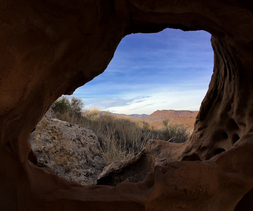 I didn't find any boulders worth climbing, but I did find a cool hole.