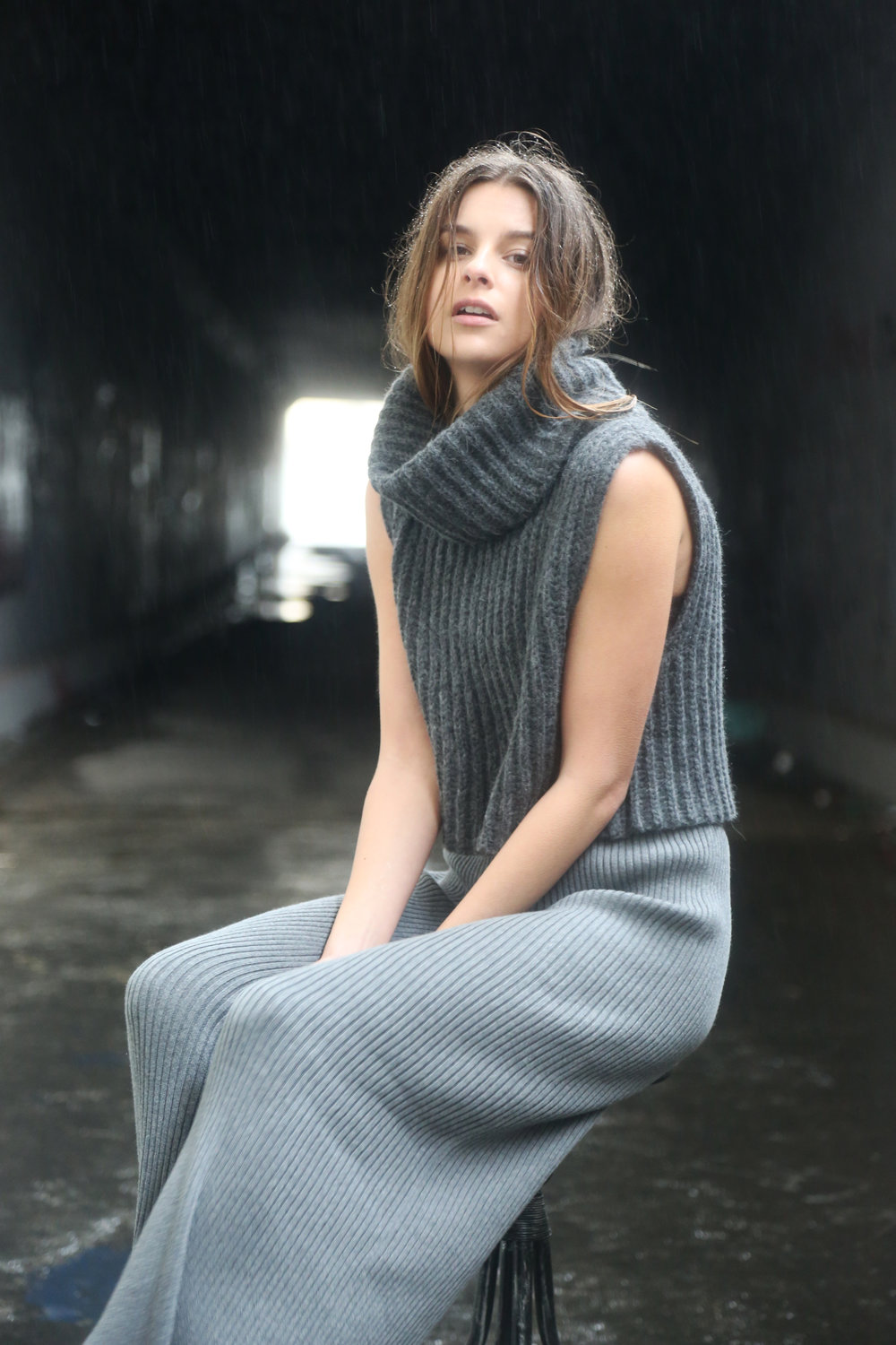 Zoe Sleeveless Turtleneck in Heather Grey, Whit Pant in Heather Grey