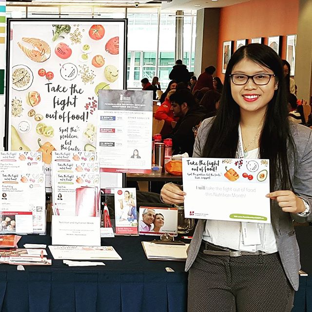 I pledge that I WILL Take the Fight Out of Food!  Get FREE recipes/useful tips and learn about my programs and services! Find me all week on the 2nd floor at Bow Valley College South Campus.  #bvcbold #nutritionmonth #yyc #nutrition #dietitian #healthyliving @imaginehealth_centres