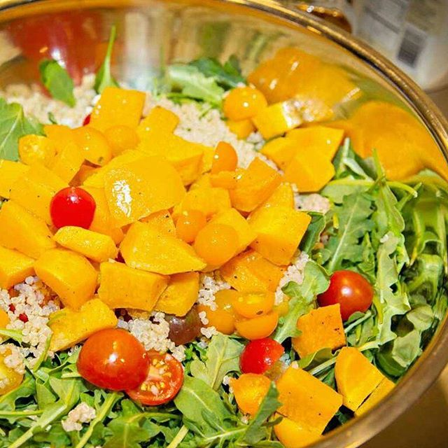 What are you having for dinner tonight? Being the summer season we've had a few too many BBQ grilled meats and suddenly my body is wanting this delicious salad!  We are making these simple and delicious Quinoa Arugula Salad With Butternut Squash in our flexible digital anti-inflammatory meal plans! .  Sign up for a FREE trial to explore more options for breakfast, lunch, snacks, and dinner - link in bio.  We know you'll love it!  Customizable plans with smart grocery lists and Registered Dietitian -Curated recipes to help you meet your health goals. . .