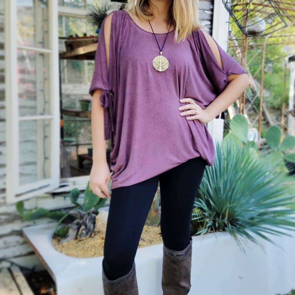 clouchy plum top outfit austin style