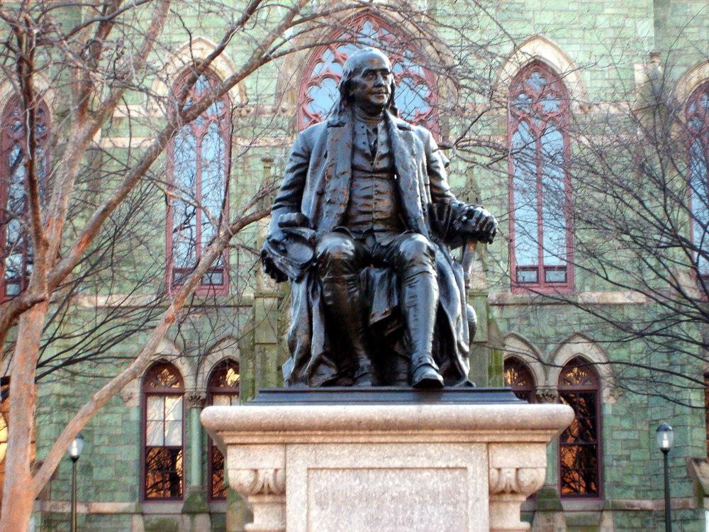 Benjamin_Franklin_statue_in_front_of_College_Hall.JPG