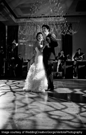 first-dance-wit-hotel-chicago-weddings-engaging-events-by-ali.jpg