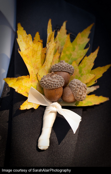acorns-leaves-boutonniere-chicago-fall-engaging-events-by-ali.jpg