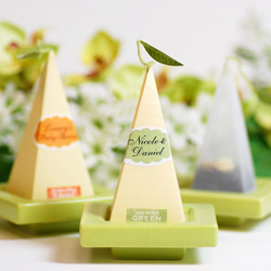 wedding-favors-beaucoup-chicago-engaging-events-by-ali.jpg