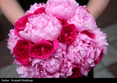 pink-bouquets-chicago-brides-engaging-events-by-ali.jpg