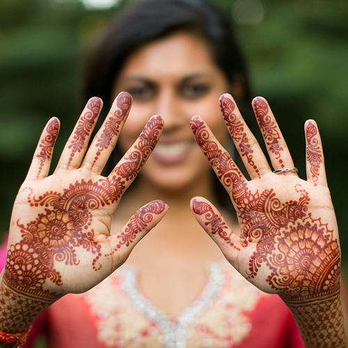 indian-traditional-weddding-henna-south-asian-destination-wedding-planning-chicago-engaging-events-by-ali-10twelve.jpg