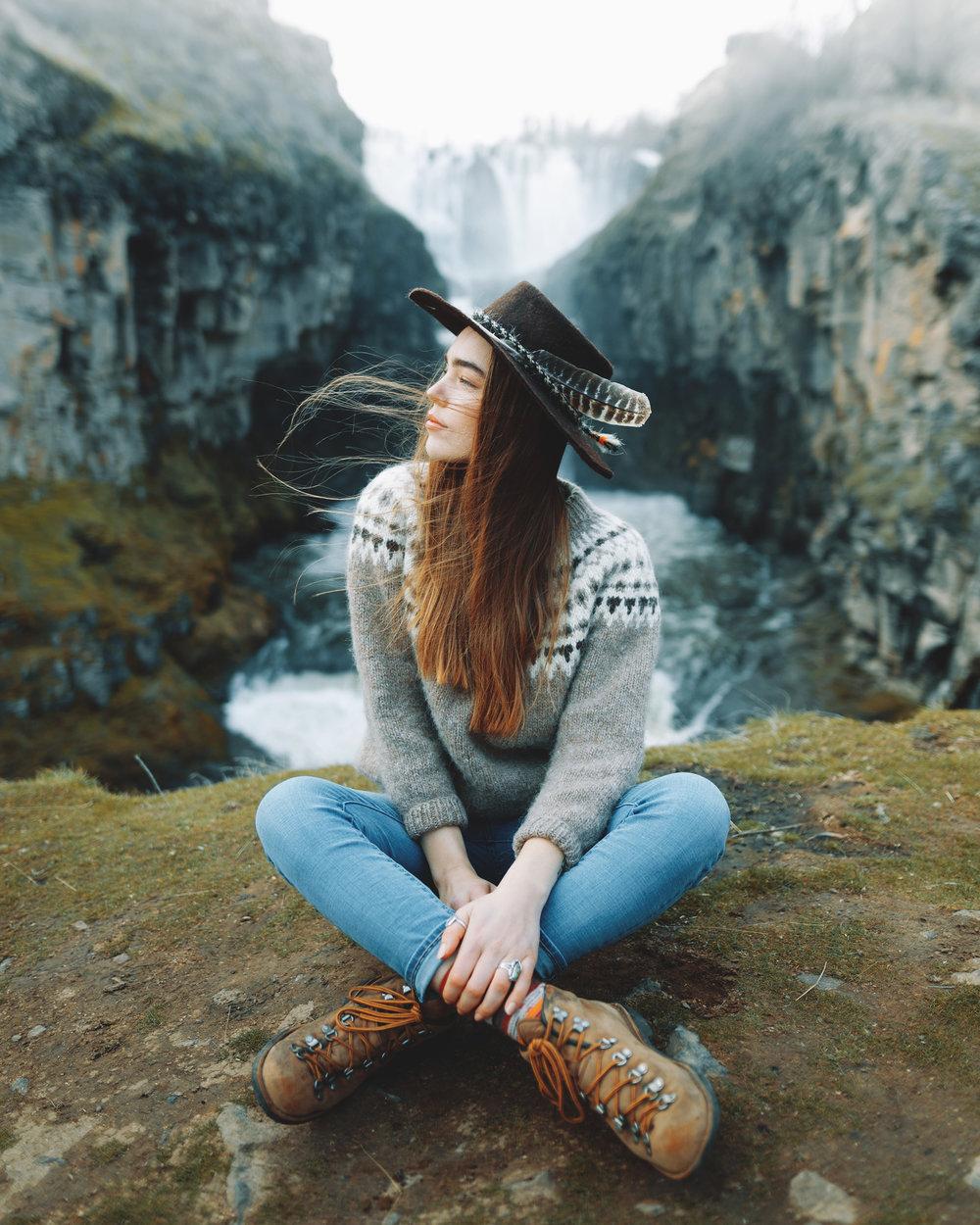 charlotte-little-wolf-Sonora-travelgirl-PNW-Oregon.jpg