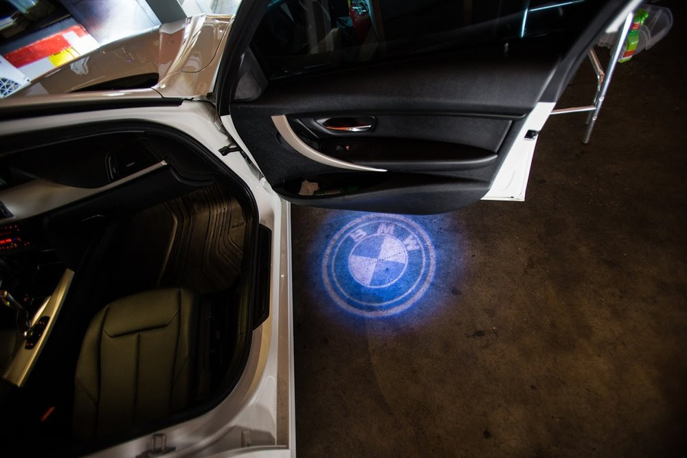 Audio-Shack-bmw-hologram-light.jpg