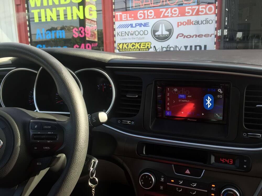 Install a bluetooth car stereo system in El Cajon.