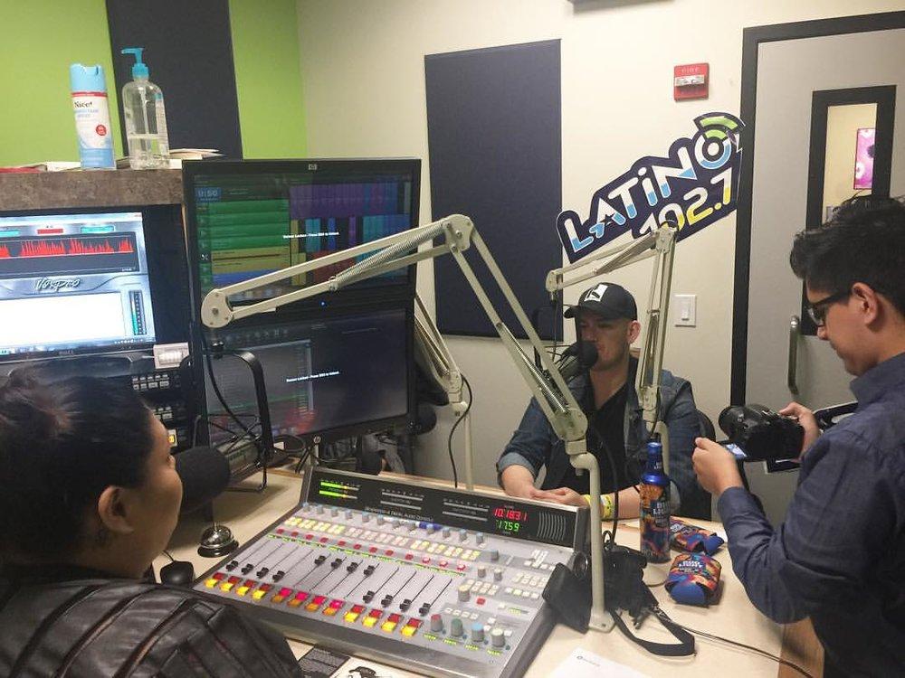 Raymundo 102.7 FM .jpg